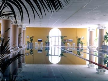 The 25 metre swimming pool in the spa centre