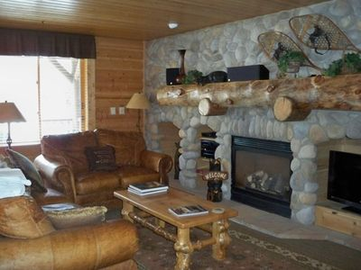 Chic Comfort of Designer Western Decor