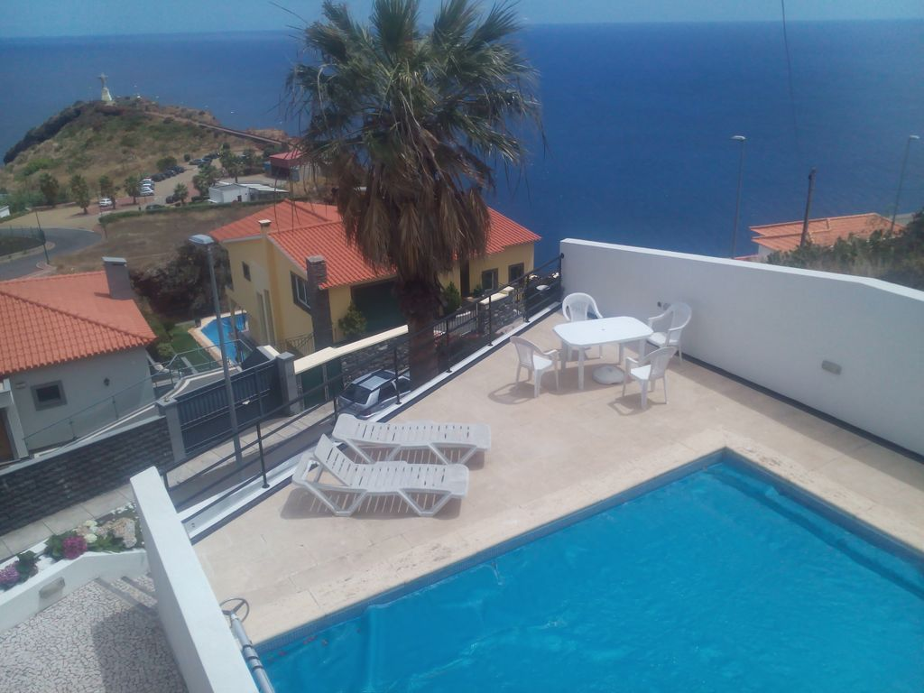 Cheap accommodation, with pool , Funchal