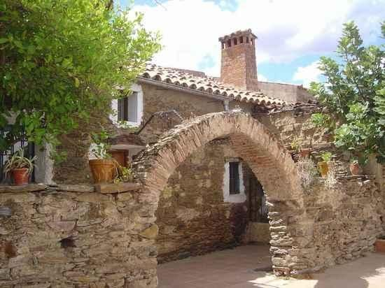 LA POSA is in Acehuche, in the province Cáceres.