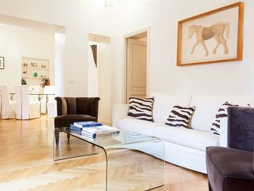 Piazza Navona apartment rental - View of the main living room