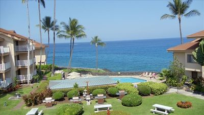 Watch spinner dolphins, whales, & cruise ships pass from this lanai.