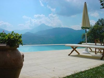 Exceptionally renovated cottage in 16 hectares of land, close to Barga