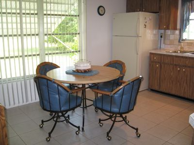 Large, Bright, Fully-Equipped Eat-In Kitchen with Updated Appliances