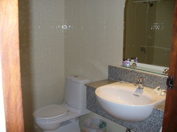 2nd Ensuite Bathroom