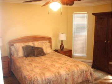 Third bedroom with queen bed.