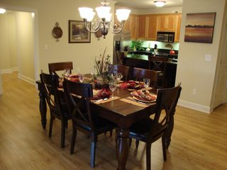 Hiawassee condo photo - Dining Area with Kitchen & Breakfast Bar