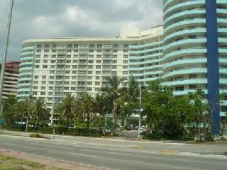 Miami Beach apartment rental - Building exterior