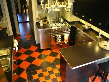 Toronto house rental - Gourmet kitchen- fully stocked