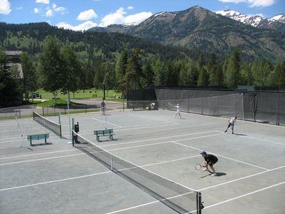 Wilson townhome rental - Tennis court privileges are included. Indoor courts allow winter play!
