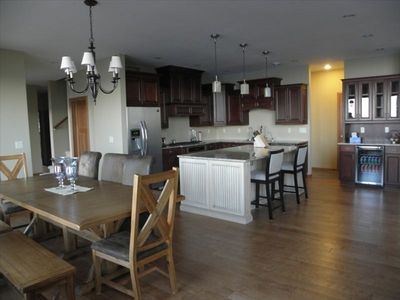 Two Harbors house rental - Kitchen and Dining Area