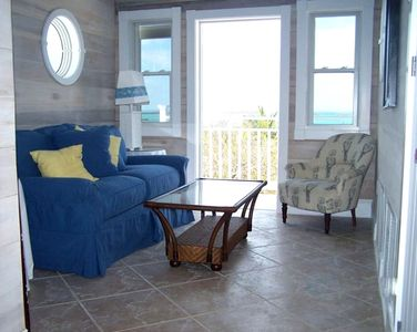 SUNSET ROOM OVERLOOKING THE SEA OF ABACO