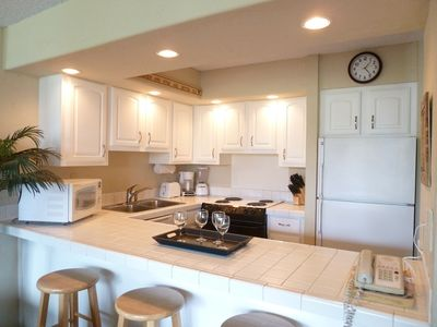 Beautiful, full equipped kitchen--Everything you need!