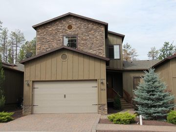Show Low townhome rental - House Front