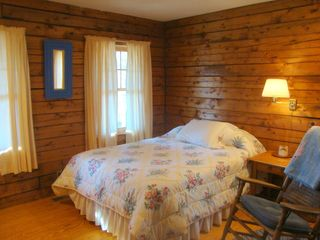 Bridgewater Corners cabin photo - Double bedroom