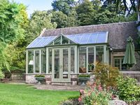 THE CONSERVATORY, pet friendly, with open fire in Parwich, Ref 19902