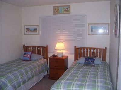 Beach Rm  2 Twin Beds
