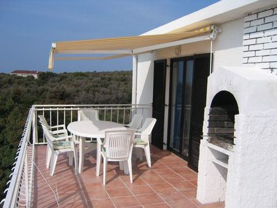 3 vacation apartments in spacious villa with a sea view, in a peaceful location