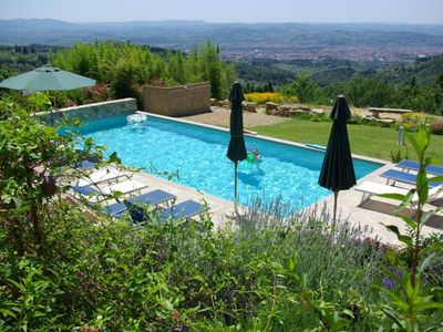 Country villa with private pool, magnificent view of Florence