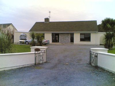 'Glenmore'  - a Delightful Bungalow in Connemara with Free WiFi