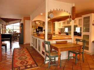 Chef's kitchen with center island, off the family room - La Jolla house vacation rental photo