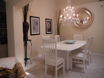 Serenity house rental - Dining
