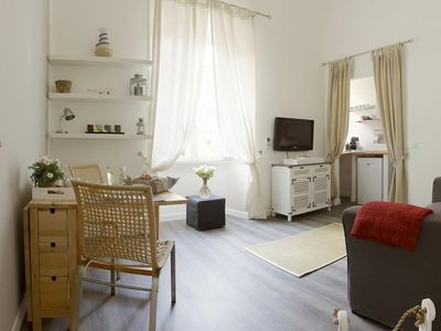 PALAZZO CINQUE - One Bedroom Apartment, Sleeps 3