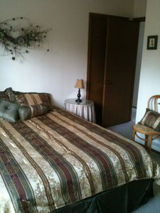 Poconos Pines / Lake Naomi house rental - full bedroom