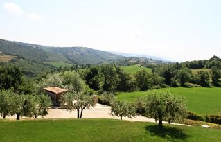 Collazzone farmhouse photo - Large landscaped property