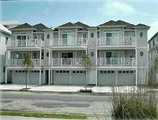 1 1/2 Blocks from Beach, Boardwalk and Convention Center