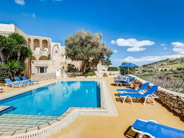 Pippa_Farmhouse with sharing pool in Gozo