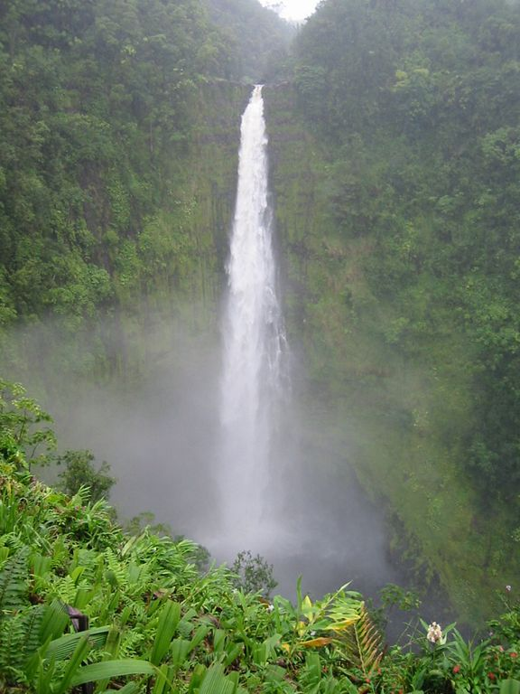 Akaka Falls, north of Hilo