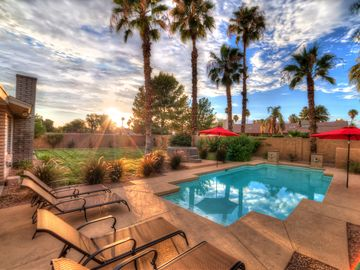Phoenix house rental - Amazing pool with large private yard, spa and fire pit off the pools edge.