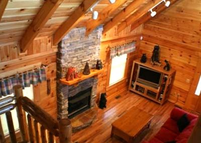 Tranquility Point is a beautifully furnished, all wood, true log cabin