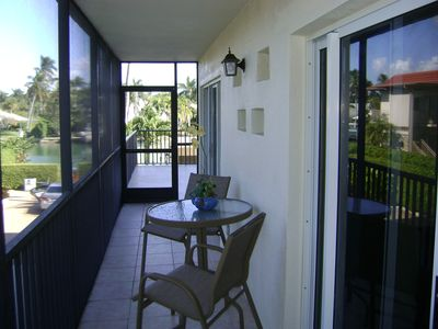 Private screened lanai