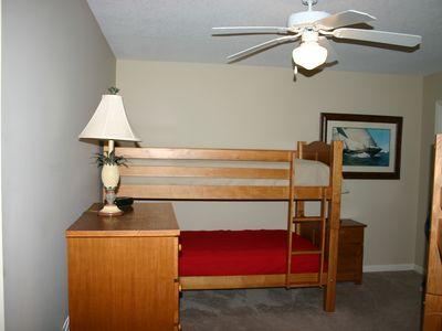 Guest bedroom. One set of bunks.