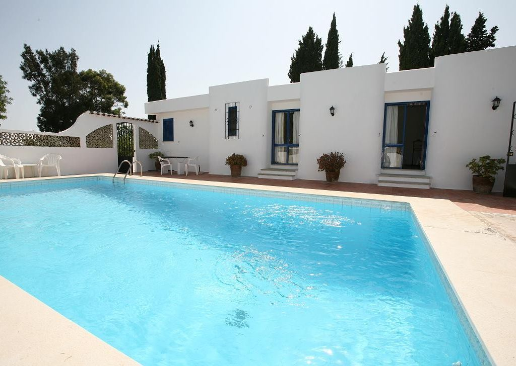 Peaceful accommodation, close to the sea , Armaçao De Pera, Faro