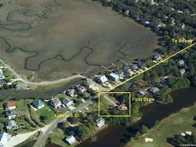 Huge lot on inland lagoon, 4 blocks from beach