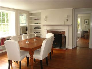 Washington cottage photo - Dining Room with Working Fireplace