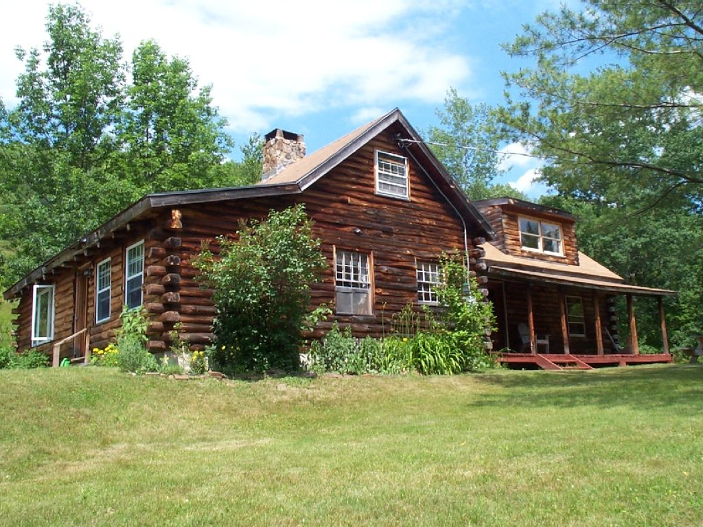 Log cabin in the white mountains of new vrbo for Vacation log homes