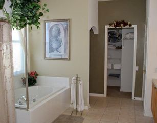 Windsor Palms villa photo - Luxurious Bathroom with Garden Tub