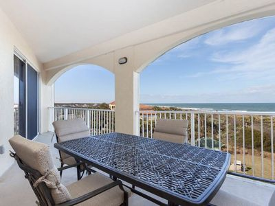 Dine al fresco on the gorgeous balcony! - The only thing that will make your gourmet meals taste better is eating them outside on the 4th floor balcony! With ocean views and the gentle balmy breezes around you, you'll want to spend all your time outside.
