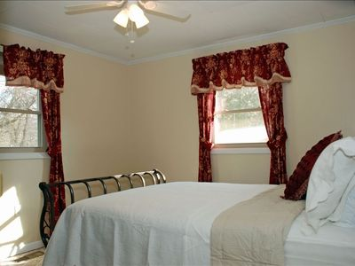 Asheville cottage rental - Master Bedroom