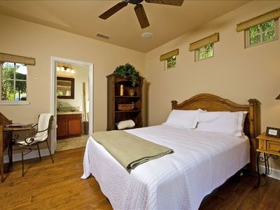 Downstairs guest room (Casita)