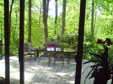lots of eat out door areas and a screened in porch