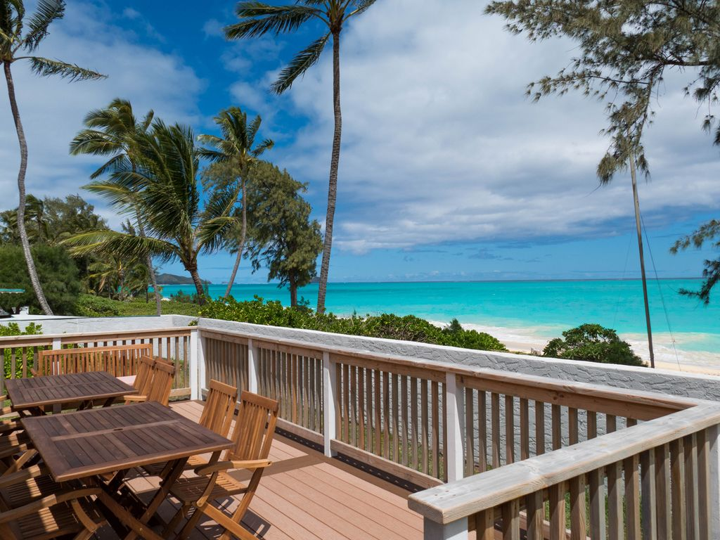 Aloha getaway beach house oceanfront deck vrbo for Beach house view