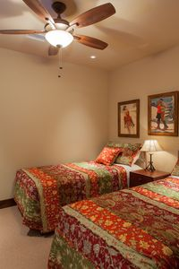Bedroom #2 - Twin beds, Flat panel TV, Ceiling Fan