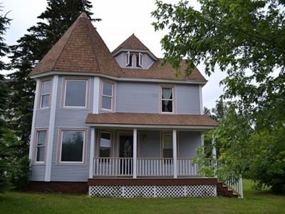 A classic 1900's Victorian vacation home for rent