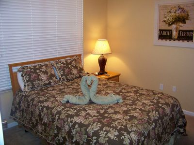 Windsor Hills townhome rental - Downstairs bedroom with queen bed and new comforter
