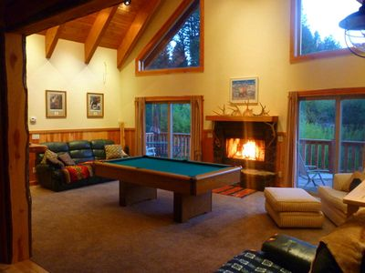 Play Pool & Watch TV while Relaxing by the Fire
